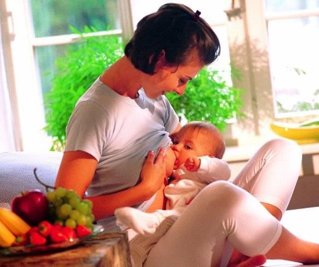 Но, так или иначе, а кормящей маме нужно знать, что можно кушать, а что  есть нельзя при грудном вскармливании малыша. 542c11b3c55