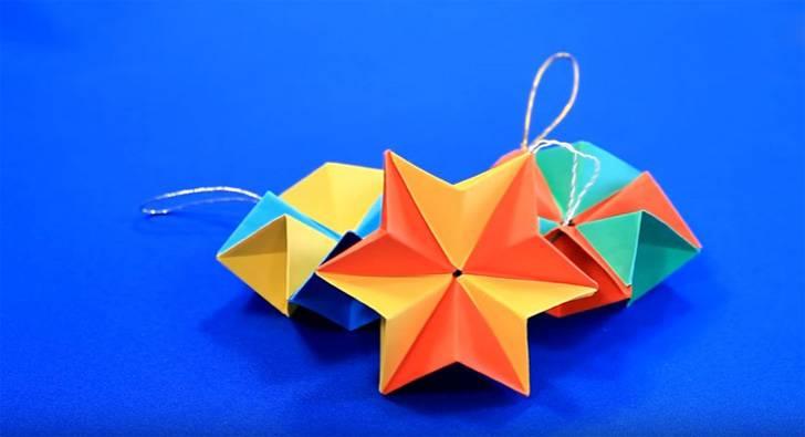 e66793760 Najjednoduchším spôsobom je vytvorenie hviezdy z jednotlivých modulov,  ktoré sa potom vložia do druhého.